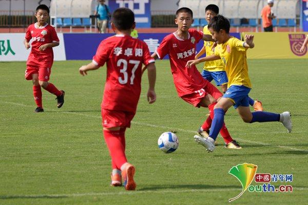 """足球梦牵中国梦 第21届""""贝贝杯""""青少年足球赛精彩开幕"""
